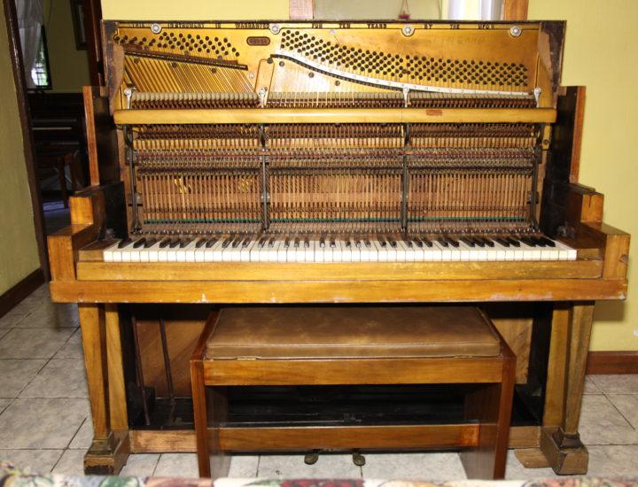 Restauración de Piano Lingard Studio