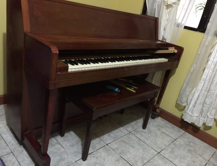 Janssen Piano Studio Restauración