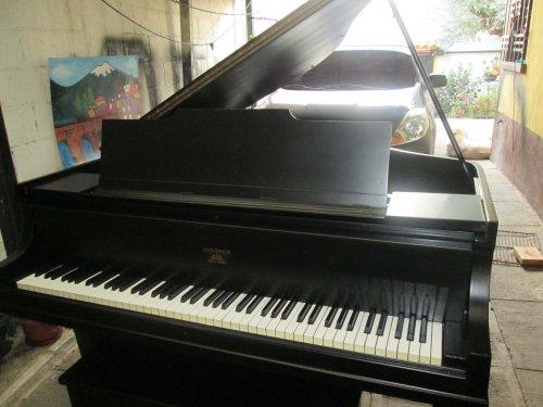 Un Buen Piano