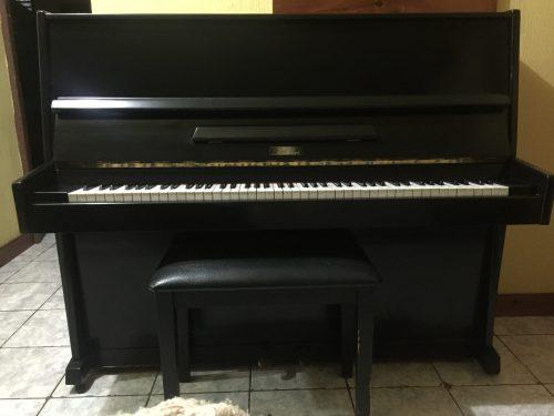 Piano Bechner Studio