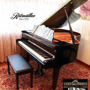 Puedes ver más detalles del piano en la página web del fabricante: https://ritmullerusa.com/portfolio_page/r9/ El piano llegó a nosotros por medio de un extranjero que lo compró y lo usó muy esporádicamente por 3 años ya que viajaba mucho a su país natal. El precio es una ganga, comparado a su valor de acuerdo al fabricante: MSRP starting at $15,695 (Q114,573). Aprovecha esta ganga! El piano está en óptimas condiciones y ha sido bien cuidado y conservado. Trae hasta su cobertor para evitar el polvo. Si quieres venir a verlo, tienes que hacer una cita al 5717-1555 o al 5558-1331. También te atendemos vía Whatsapp.