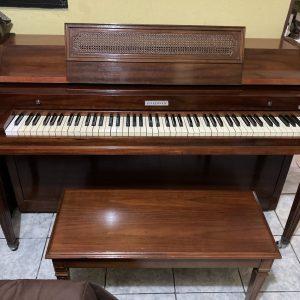 Piano Baldwin Acrosonic Caoba Restaurado por Casa de Pianos